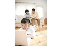 タブレット端末と紙、子供の教育でどちらが使える?