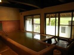 ラムネの湯でプチ湯治 長湯温泉「万象の湯」