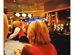 政府がカジノ解禁に動き出した理由