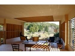 建築家と建てるコンパクトな別荘 「エアロハウス」