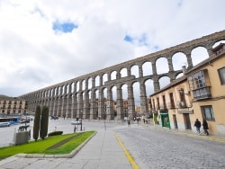 セゴビア旧市街とローマ水道橋/スペイン