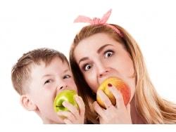 リンゴは炭酸飲料より4倍も歯に悪い!?