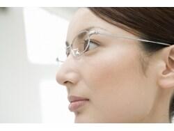 眼鏡やコンタクトレンズの費用は医療費控除の対象?