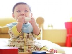 新生児~乳児期の湿疹の対処法