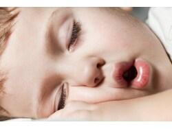 口呼吸は危険!集中力がアップする正しい鼻呼吸法