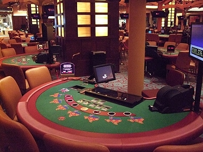 安全対策にも万全を期した治安の良いシンガポールならではのカジノを楽しんでみませんか?