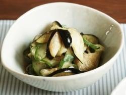 旬野菜をシンプルに! ナスとキュウリの酢の物