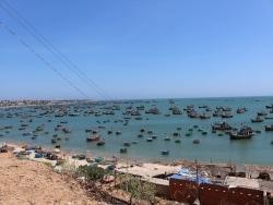 砂丘と海の絶景リゾートエリア、ベトナムのムイネー