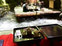 夏から初秋の京都旅に! 鞍馬山と貴船の川床料理