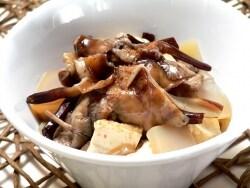 旬のきのこ、もだしの下処理と食べ方(煮物と味噌汁)