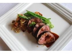シンガポールの眺望と絶品の炭焼きステーキ「Sear」