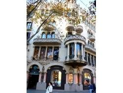 バルセロナ屈指の美しさ!カサ・リェオ・モレラ