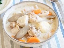 圧力鍋で時短!鶏手羽元と根菜の和風ミルクスープ