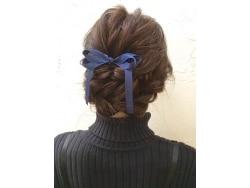 簡単!くるりんぱ×ねじり編みで華やかヘアアレンジ