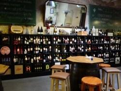 昼も夜も楽しもう!バルセロナのおすすめワインバー