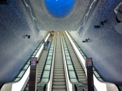 さすがイタリア! 美術館のような地下鉄の駅7選