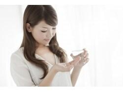 顔が赤くなる「酒さ」治療、日本での現状と最善策