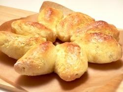 オーブントースターで簡単!発酵不要のちぎり餃子パン
