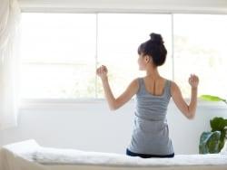 「雨で運動不足」は言い訳!効果的な室内トレーニング