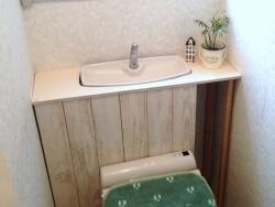 賃貸物件でもOK、DIYでトイレの棚作り