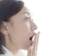 息が臭いのは病気? 口臭の原因と簡単な対策法