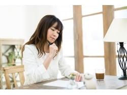 食べ過ぎ、つわり、ストレス…吐き気の原因と対処法