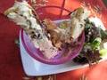 クリームチーズのクルトンと葉野菜のサラダ
