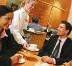 就職・転職前に専門知識と英語を! 1〜3ヵ月で専門留学も可能。