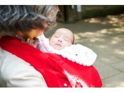 赤ちゃんのお宮参りの時期・服装・マナー作法
