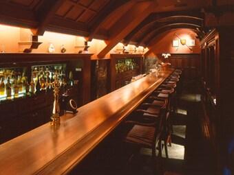 語りたくなる…アリマックスホテルThe Bar 渋谷の待ち合わせは英国バーで