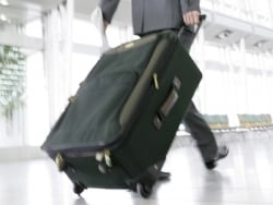 海外旅行保険、携行品損害の使い勝手は?