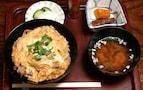 静寂な空間で味わう親子丼【山楽旅館】