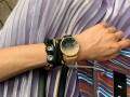 オンもオフも大活躍!バンドが着せ替えられるキレイ見え腕時計