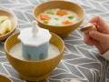 熱いスープを食べごろ温度に!マーナの「離乳食クーラー」