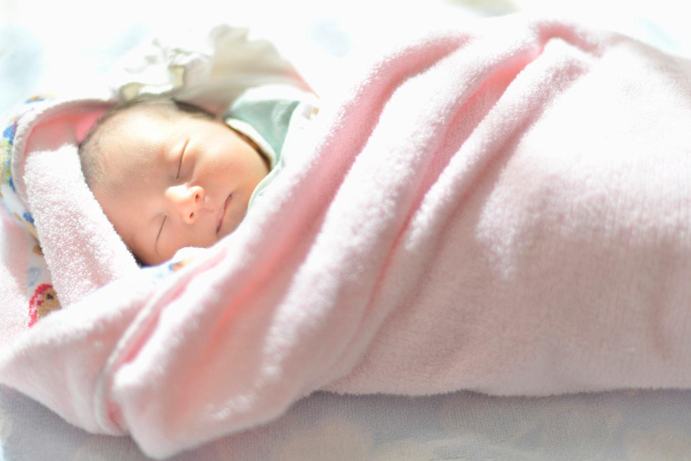 新生児 昼間 寝 ない