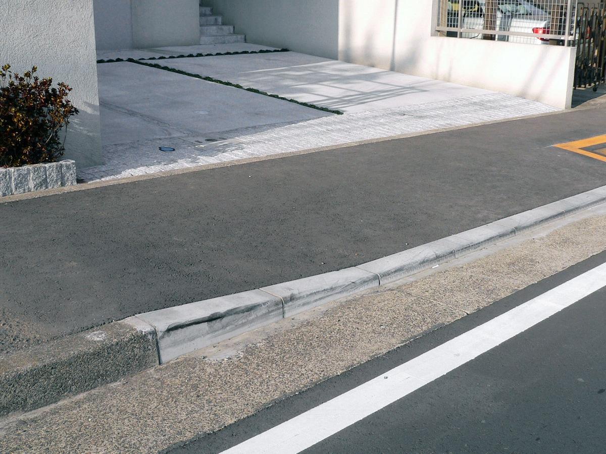 「道路 縁石 段差 フリー」の画像検索結果