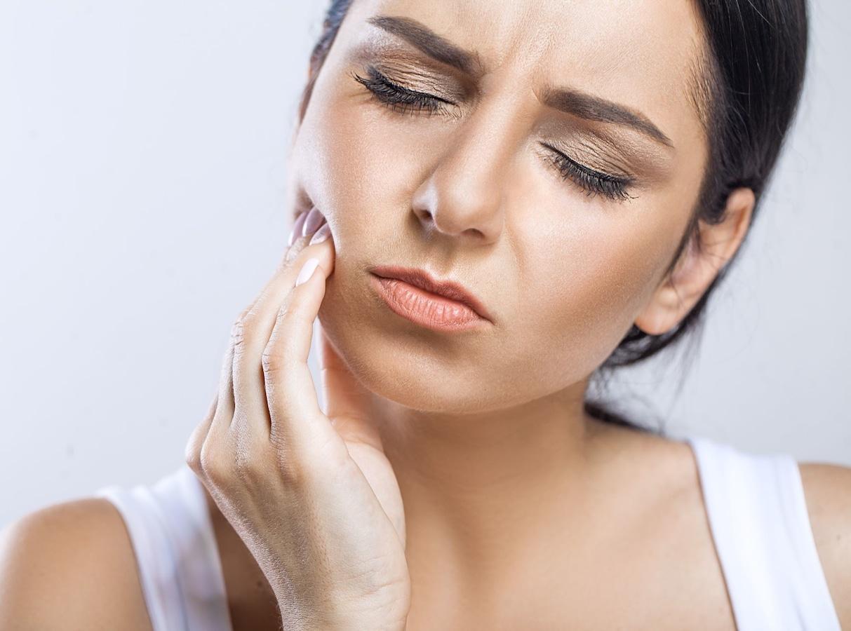 体調不良が原因で歯痛に?ストレス・疲れとの関係性 [歯・口の病気 ...