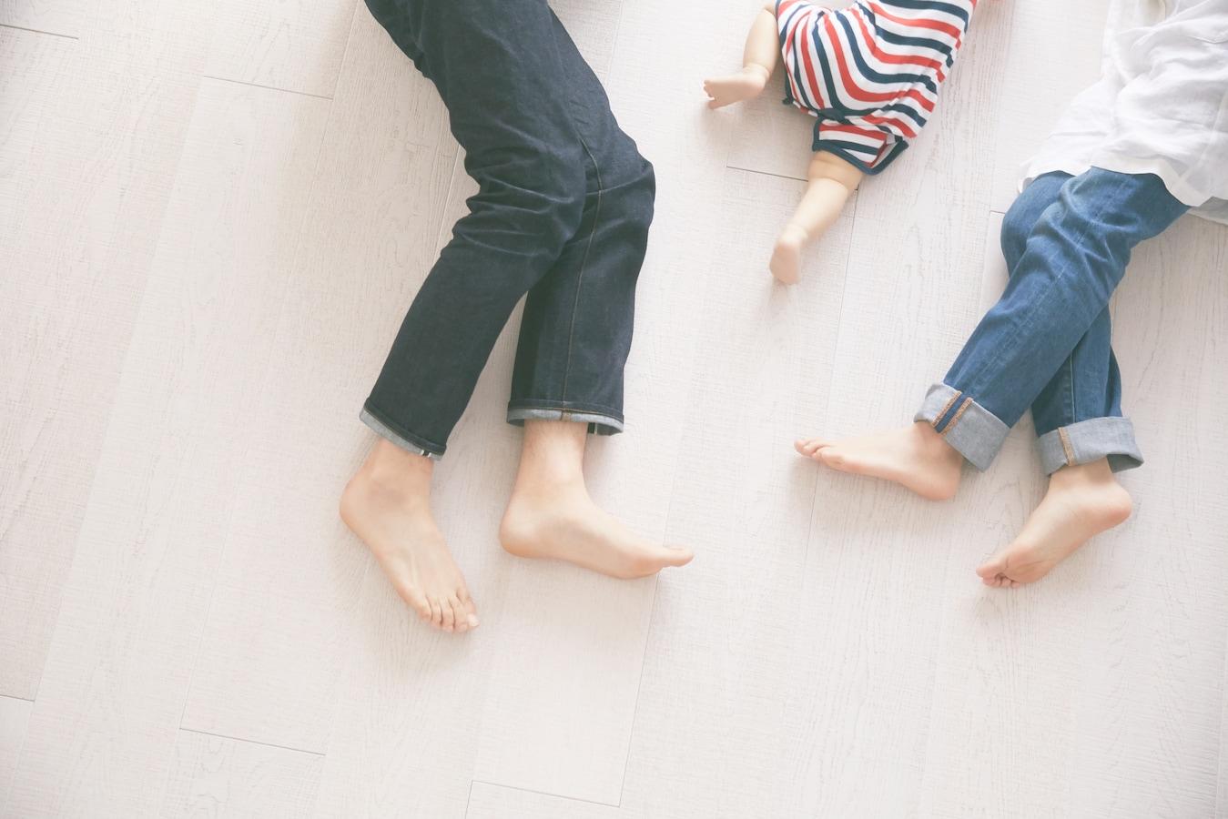 登 手足 親 させる 病 園 口 手足口病の際の登園・登校停止期間、プール、旅行の考え方と対応|アスクドクターズトピックス
