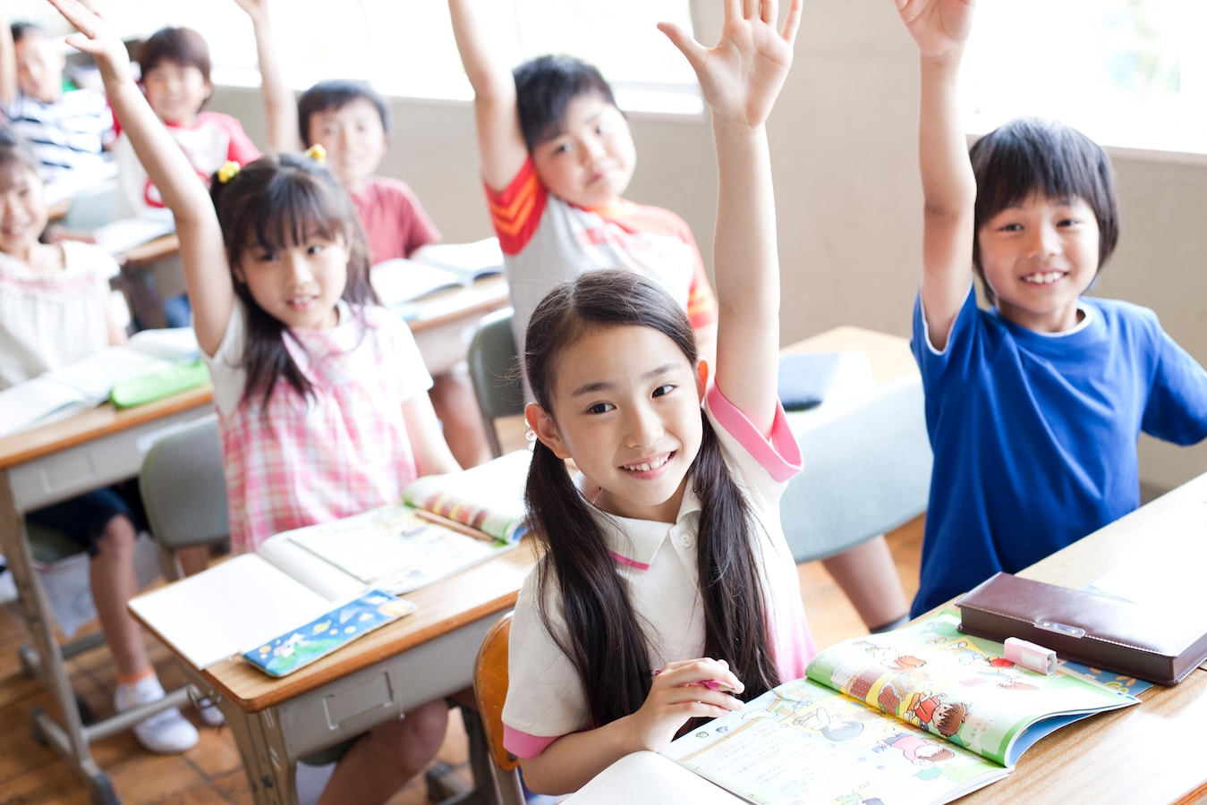 「挙手 小学生」の画像検索結果