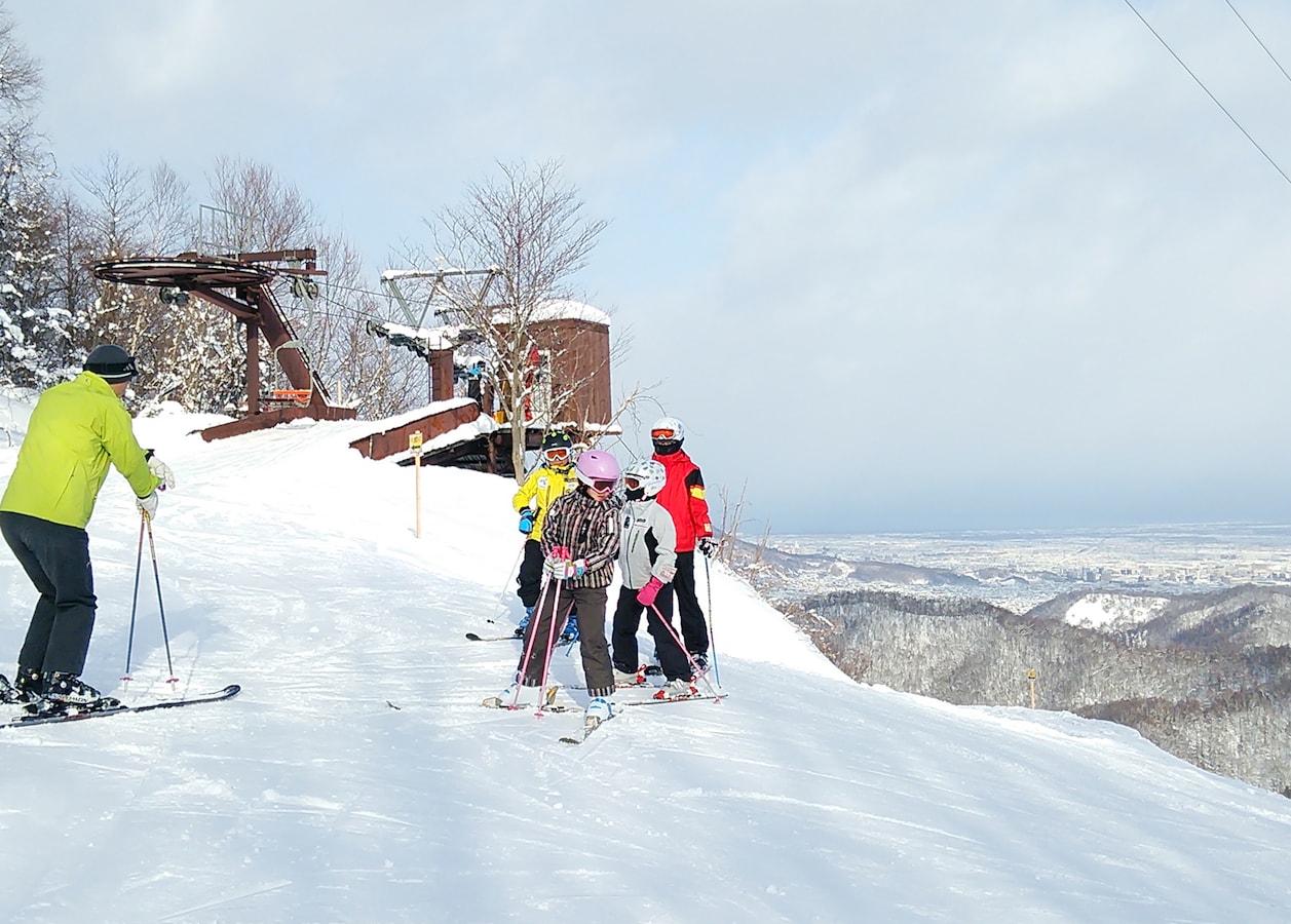 手ぶらでスキー&スノボ!さっぽろばんけいスキー場 [札幌の観光・旅行