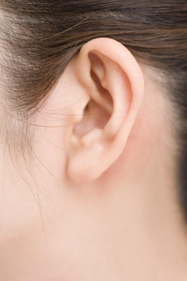 耳が痛い、聞こえにくい。中耳炎をツボで改善