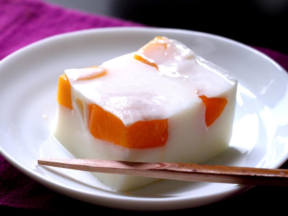 簡単で、もっちり濃厚!真夏のマンゴーミルクゼリー