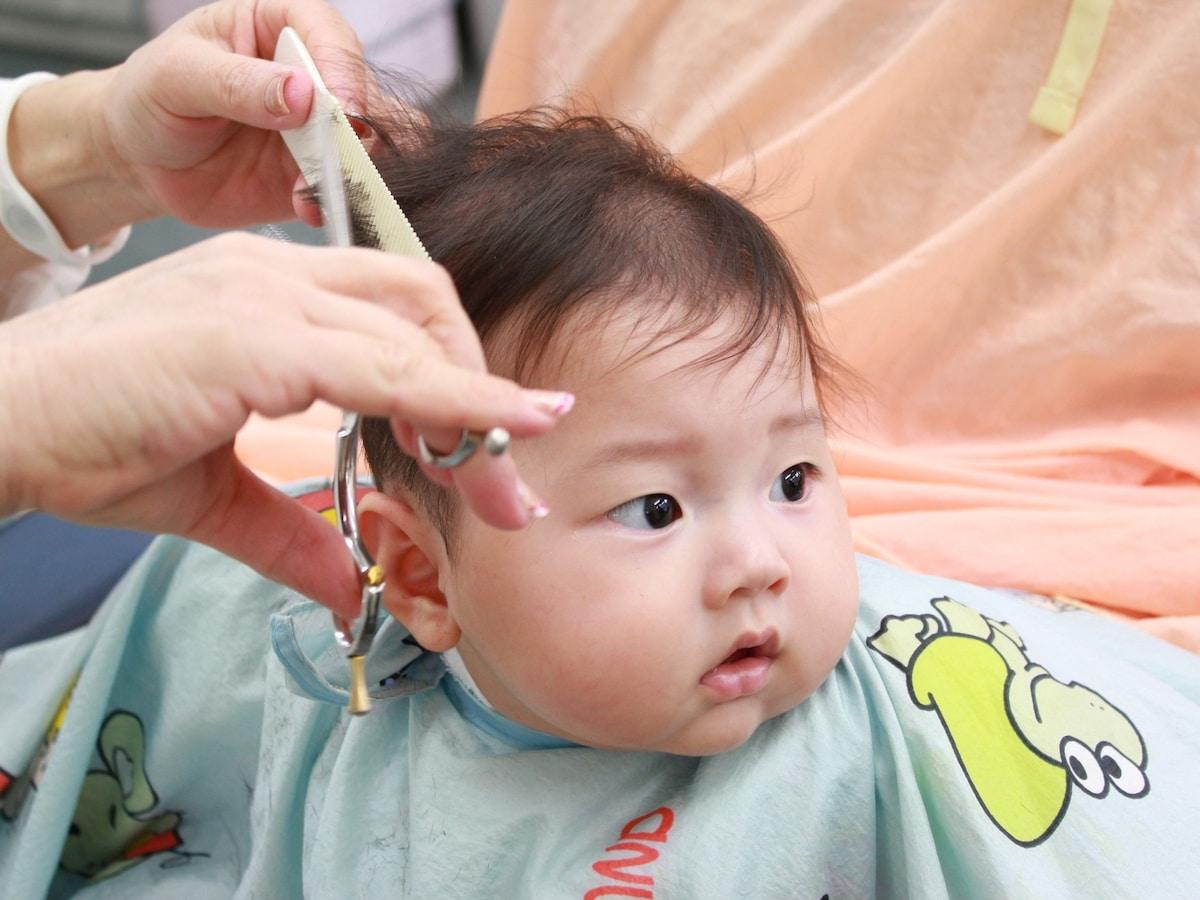 赤ちゃん 前髪 長い