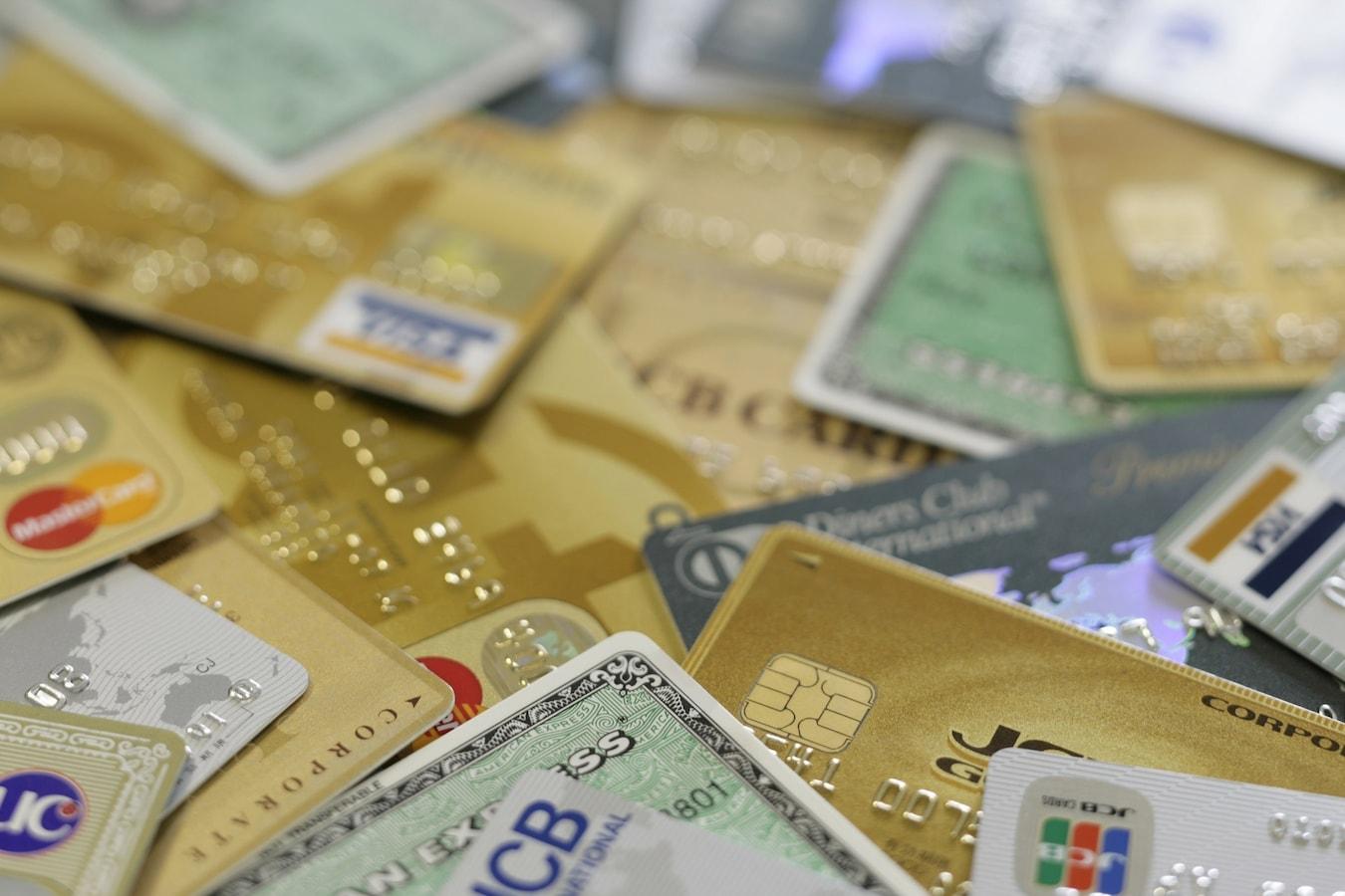 カード 株価 マスター の