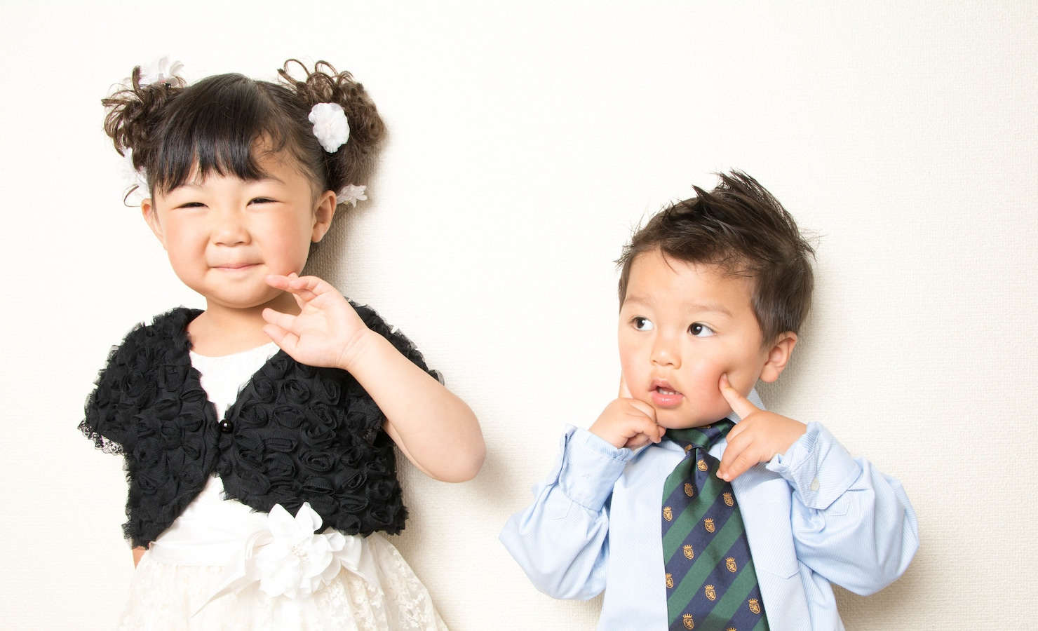 結婚式での子供の服装マナー!男の子・女の子の正装とは [結婚式