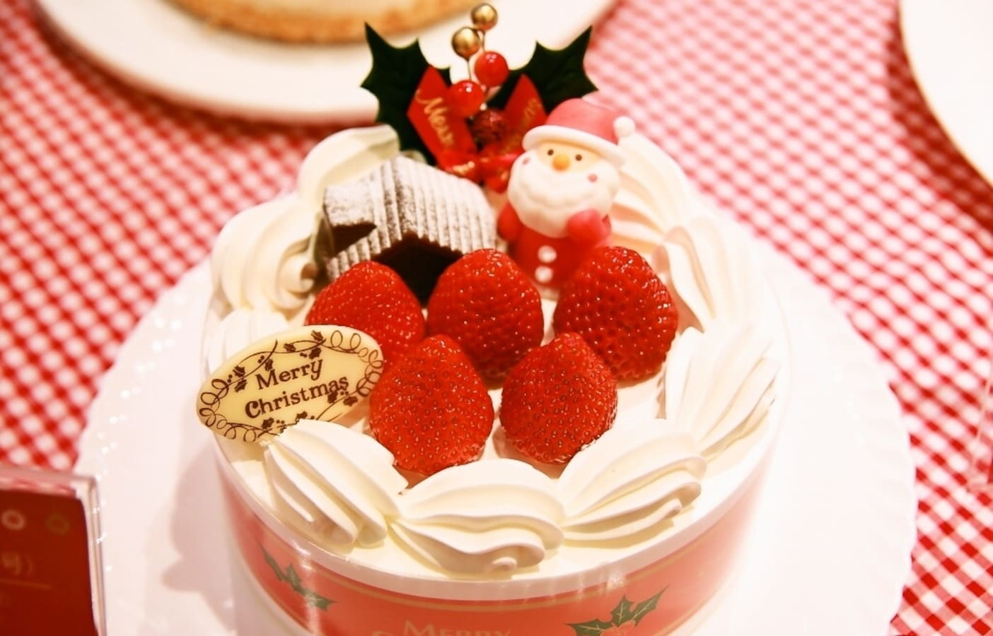 10 Japanese Christmas Cakes—By Price! | All About Japan