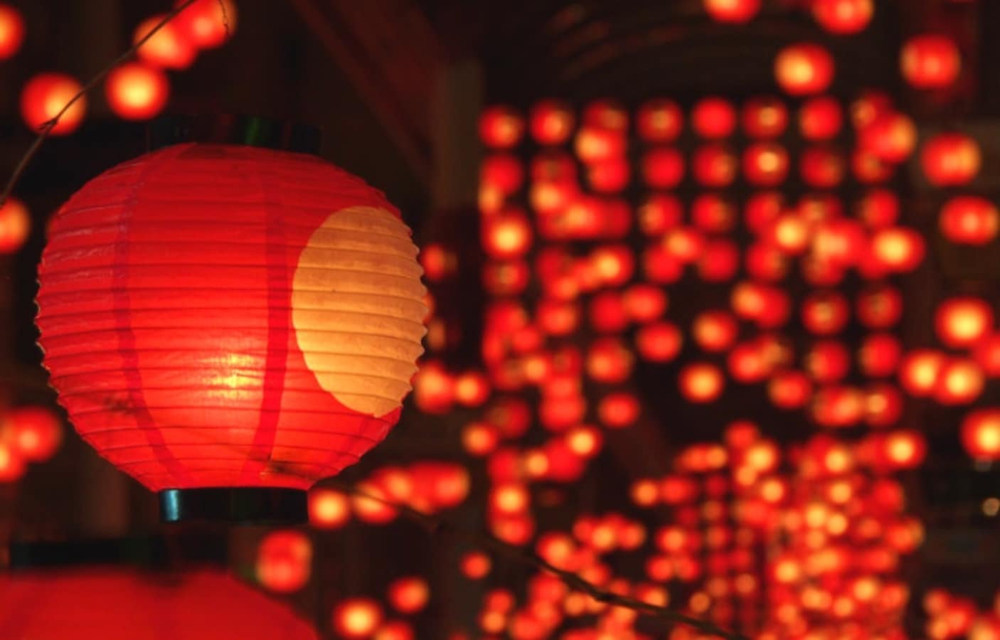 8 Gorgeous Japanese Lantern Festivals | All About Japan