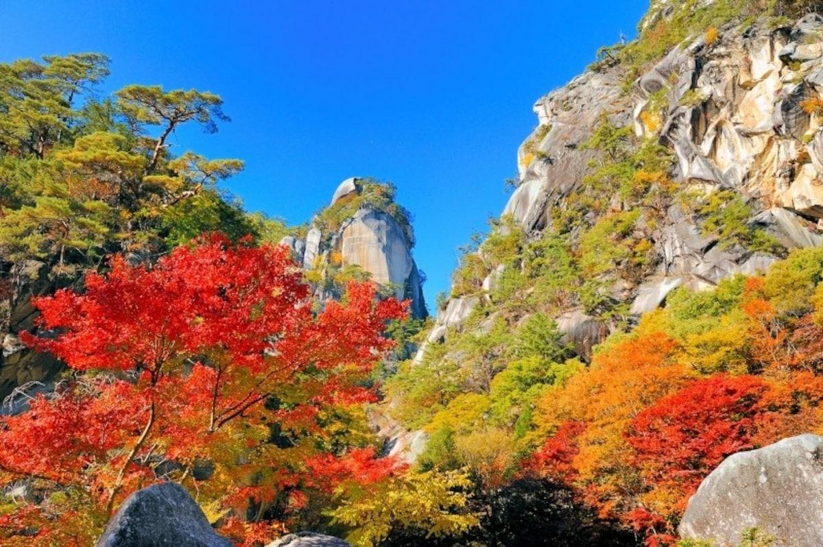 5. Shosenkyo Gorge (Yamanashi)