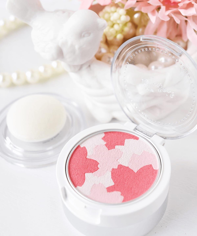 7. Ettusais: Sakura Cheek Color
