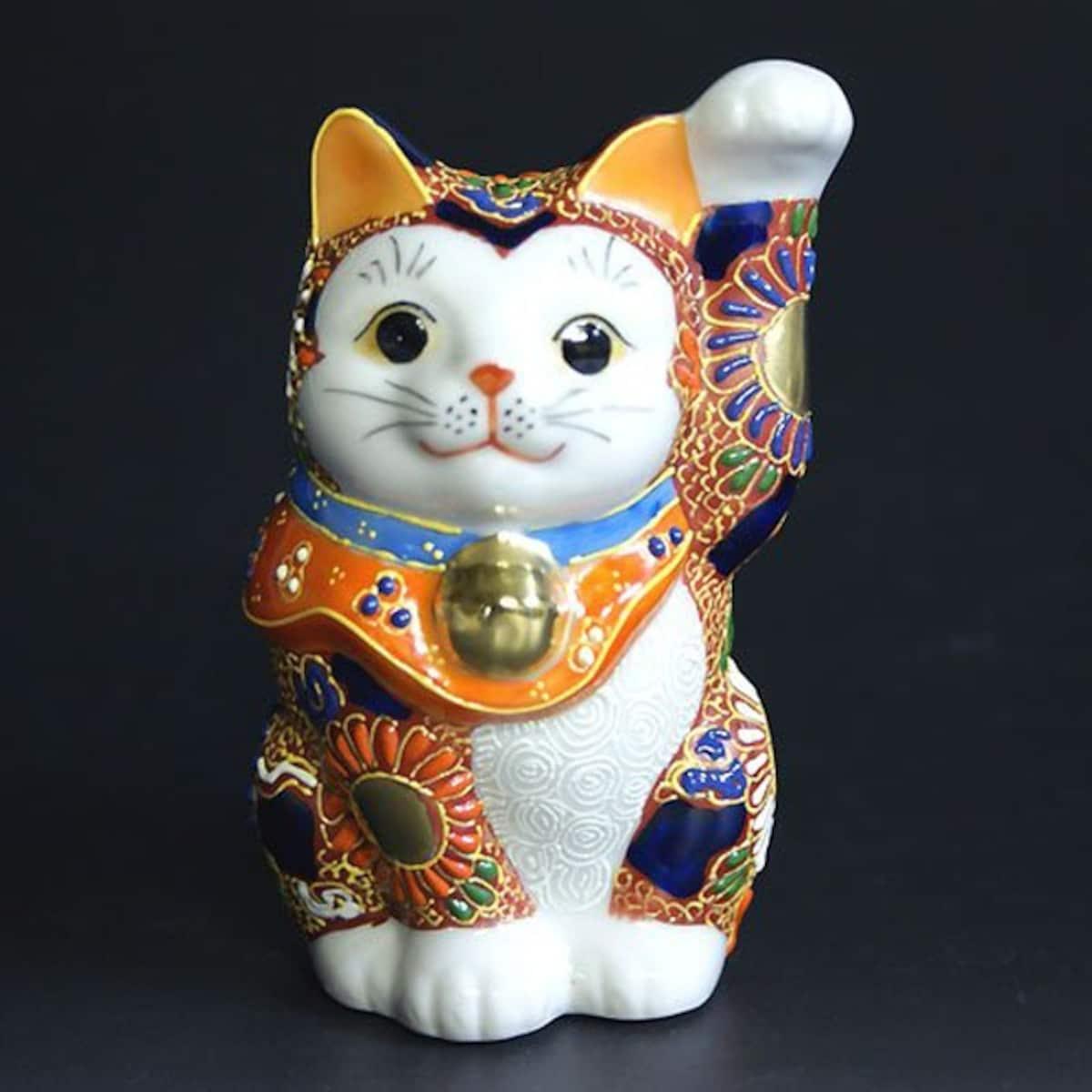 10. แมวกวักเซรามิค Kutani-yaki